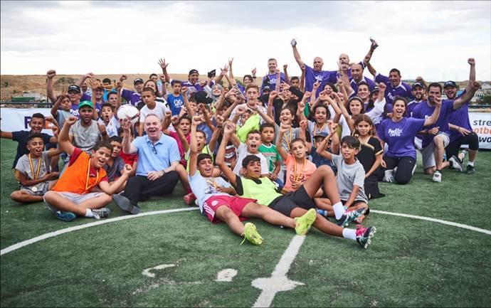 FedEx celebra el primer aniversario de su programa de integración en la Cañada Real