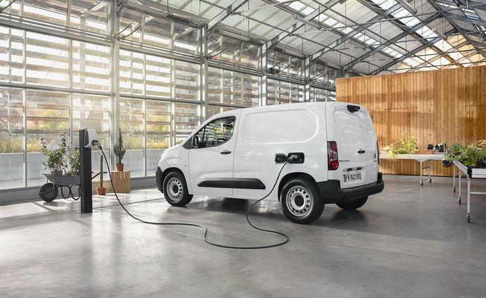 El nuevo comercial de Citroën llega a España: la Citroën ë-Berlingo Van