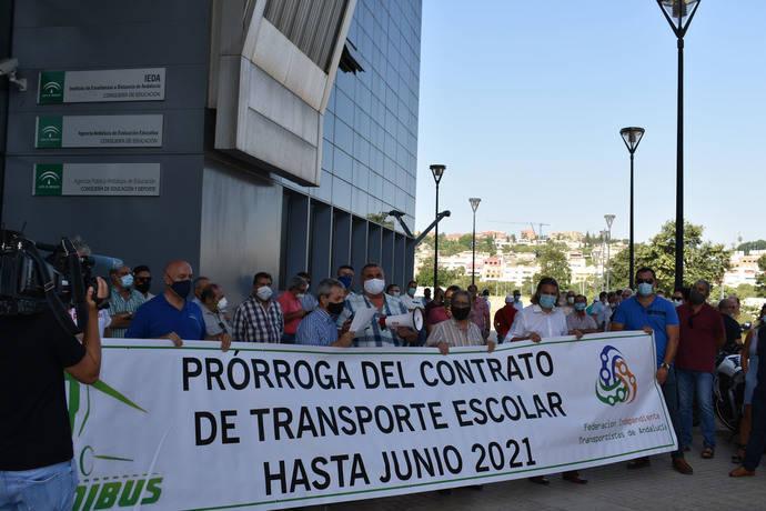 Concentraciones en Andalucía, para exigir la prórroga de las rutas escolares para el curso 2020-2021.