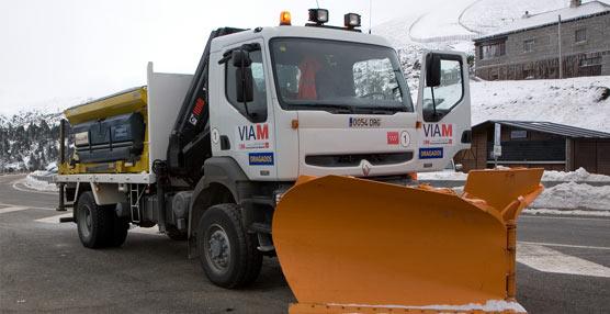 La nieve vuelve a sembrar el caos en las carreteras nacionales