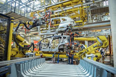 La escasez de microchips agrava la crisis de la producción de vehículos en España