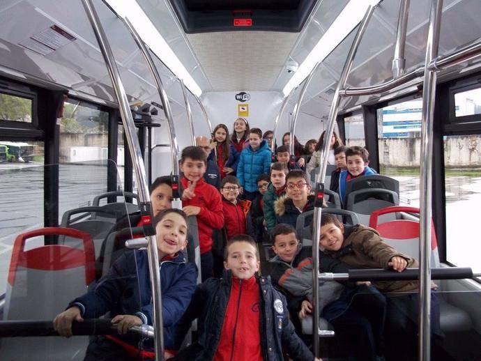 Vitrasa abre sus puertas a los escolares de la ciudad de Vigo