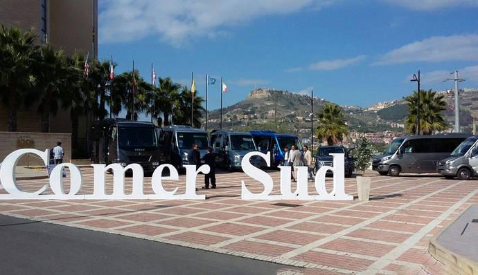 Ferqui realiza una presentación en la isla italiana de Sicilia