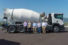 Uno de los camiones cisterna de Scania.
