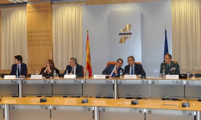 El ministro del Interior preside por primera vez el Comité de Seguridad Vial