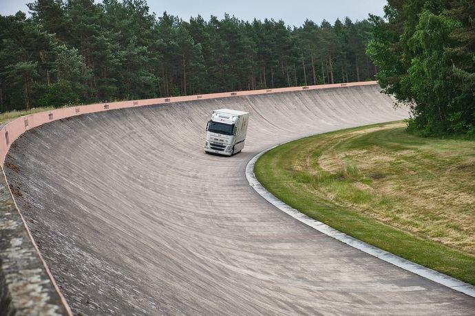 Continental, DPD Suiza y Futuricum, récord mundial de la mayor distancia recorrida por camión eléctrico sin recargar