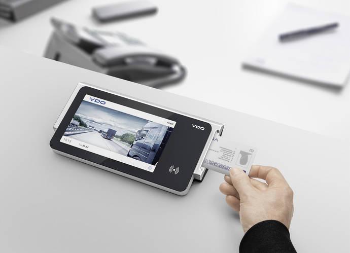 Continental muestra una nueva solución para la descarga de datos de tacógrafos