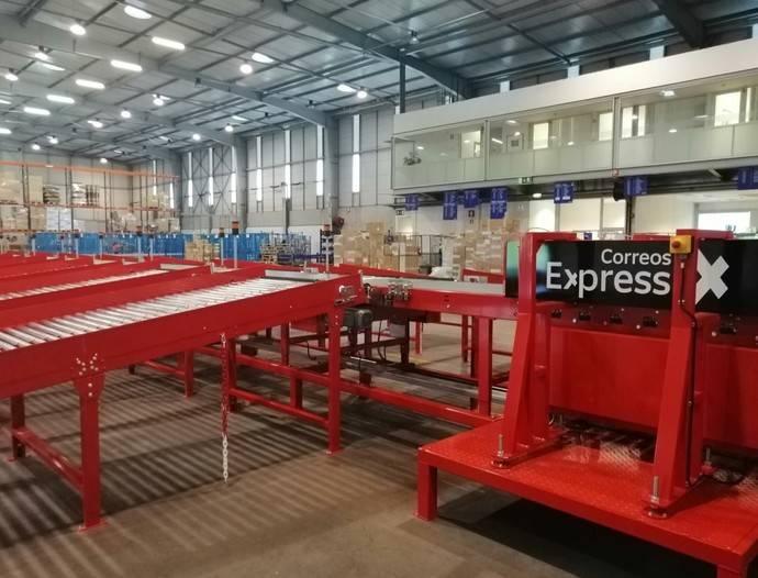Plataforma logística de Correos Express en Portugal.