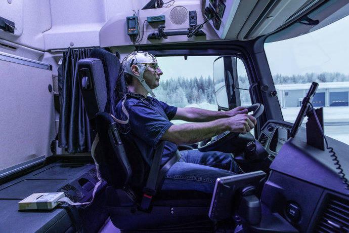 La luz artificial en la cabina tiene beneficios medibles para los conductores de camiones