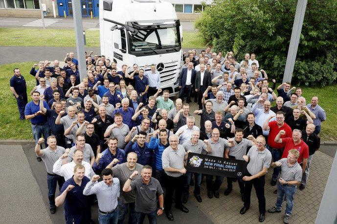 Trabajadores de la fábrica de Mercedes-Benz en Kassel.