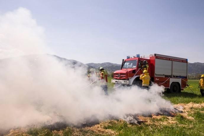 Kirchzarten apaga incendios con el Unimog U 5023