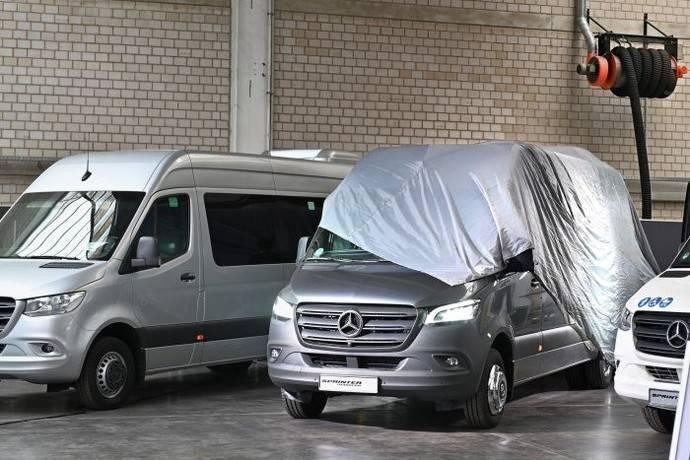 Se celebra el Día del Minibús en Mercedes, en la planta de Dortmund