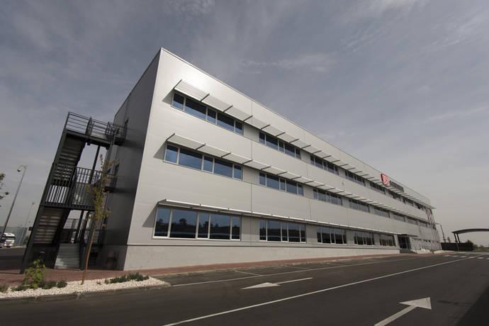 DB Schenker inaugura en Madrid su mayor centro logístico de España