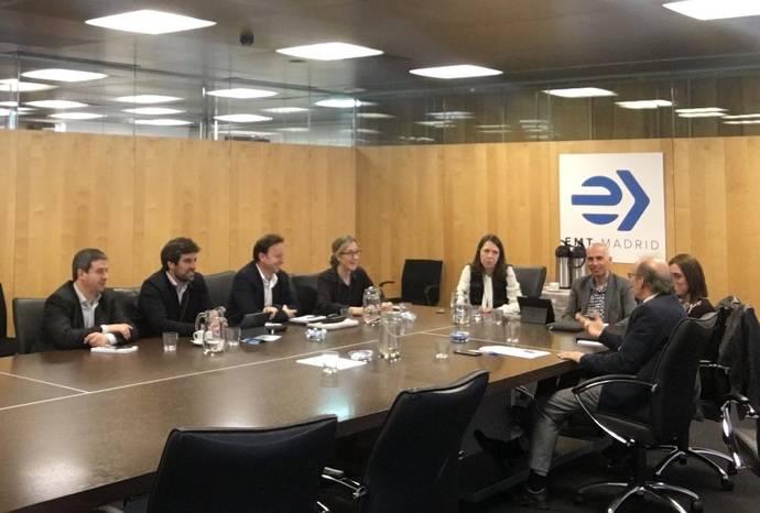 Dbus visita las instalaciones de la EMT de Madrid