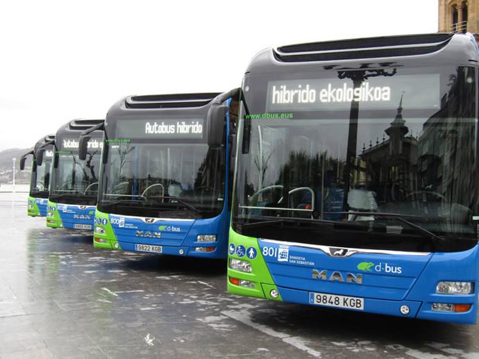 Dbus incorpora cuatro nuevos autobuses híbridos y seis diesel