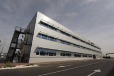 Schenker estrena su mayor centro logístico de España