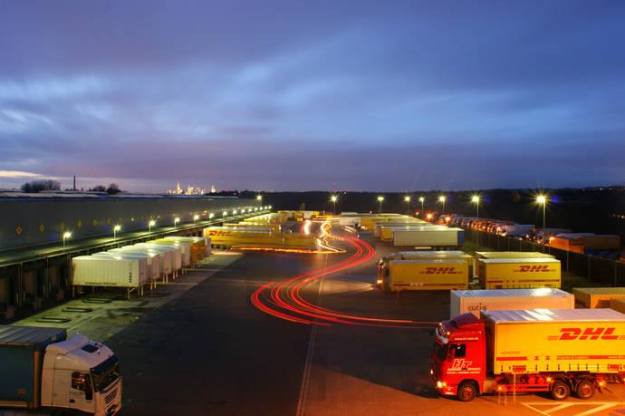 DHL inaugura una nueva línea de transporte terrestre con Alemania