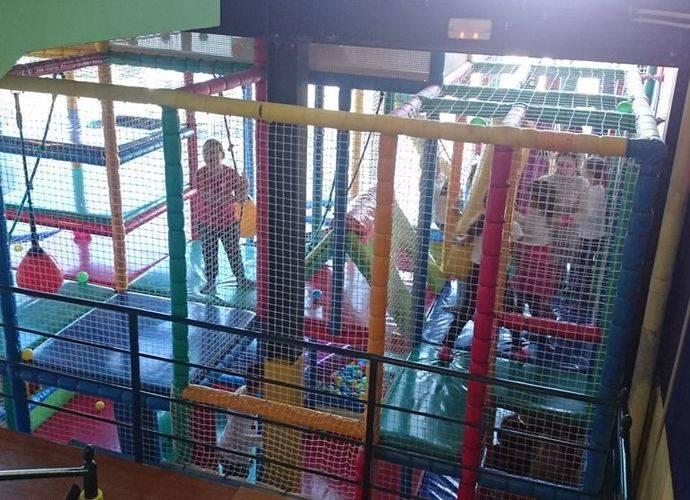 Fiesta navideña de DHL para niños de Aldeas Infantiles