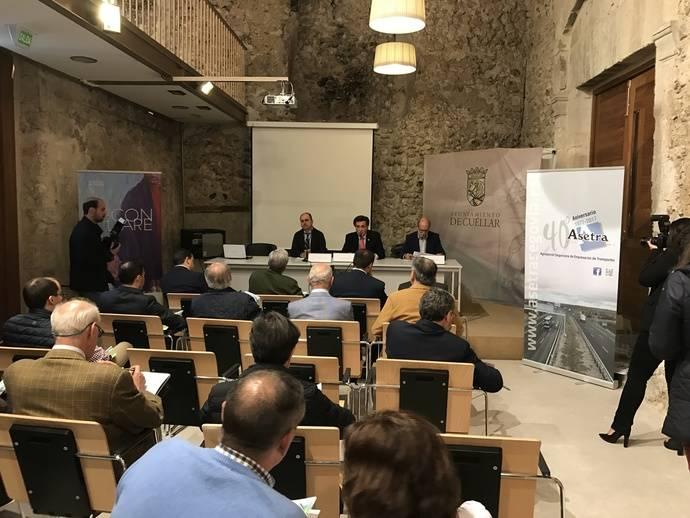 Momento de la inauguración de la VII Jornada Técnica del Vehículo Industrial.