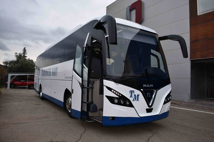 Nogebus proporciona dos Touring HD a Transportes Mary