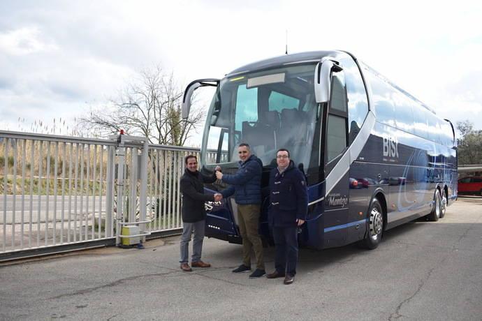 Nogebus entrega dos modelos de autocares