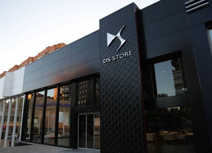 DS Automobiles inaugura el primer DS Store de España
