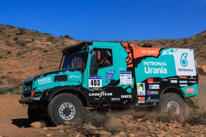 El equipo De Rooy primer clasificado del África Eco Race