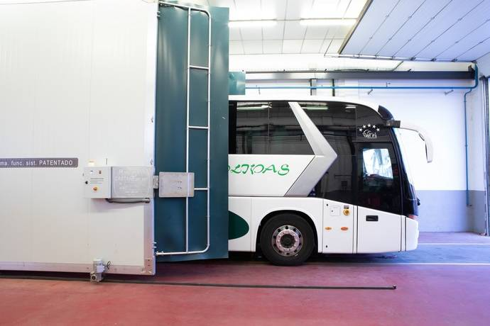 Patente española desinfecta transporte público para tratar de eliminar coronavirus