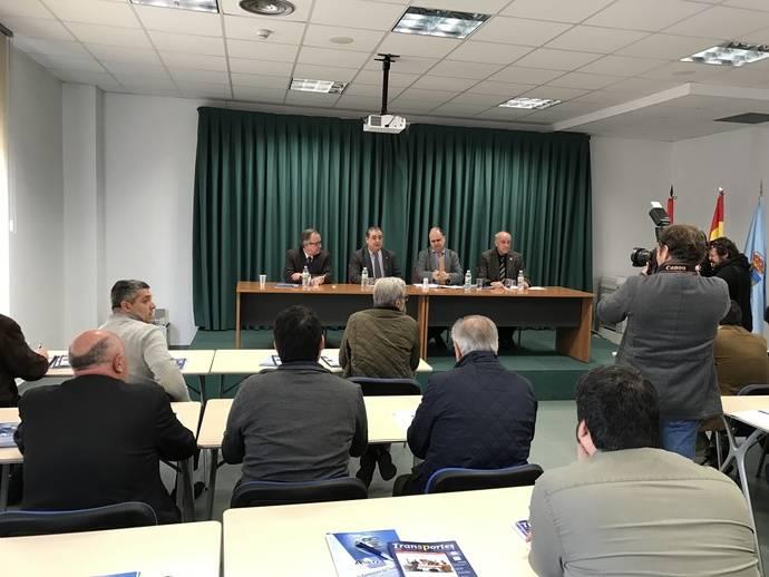 Ignacio Santos Pérez visita el Centro de Transportes de Segovia