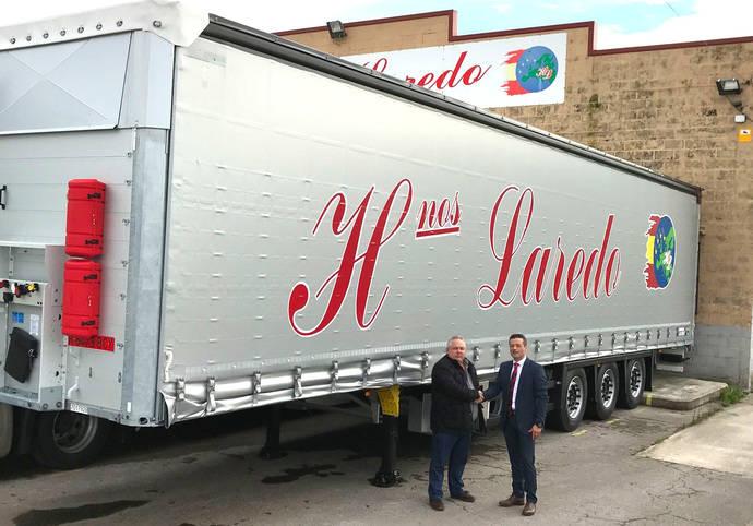 Hermanos Laredo adquiere 30 semirremolques lona S.CS de Schmitz Cargobull