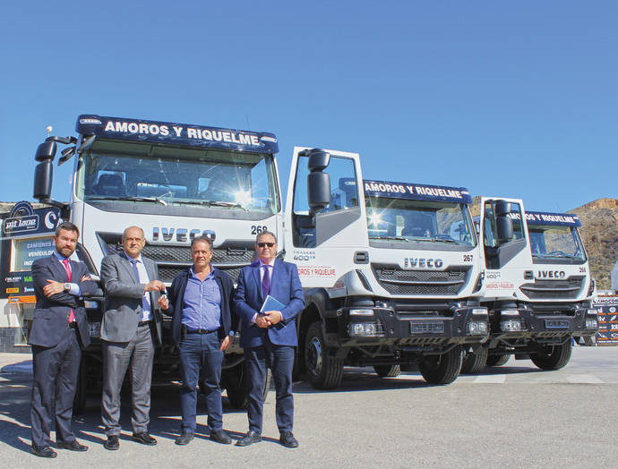 Amorós y Riquelme adquiere 50 Iveco Trakker Hi-Land