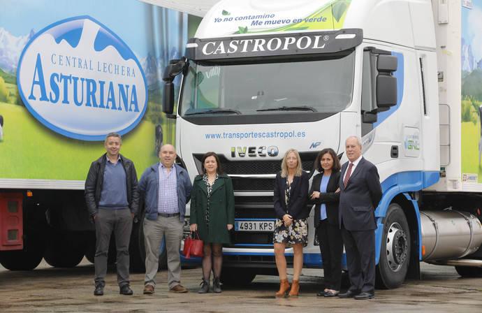 Uno de los nuevos camiones de Castropol.