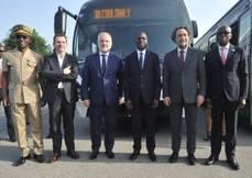 Reunión del gobierno de Costa de Marfil y representantes de Iveco Bus.
