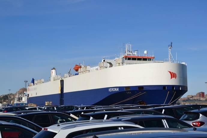 Primera escala del buque Verona en el Puerto de Santander