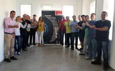 Parte del equipo Linde de Andalucía oriental, durante los trabajos de remodelación de las instalaciones de Granada.