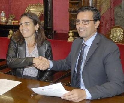 Los urbanos de Granada tendrán wifi gratuito a bordo