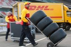 La compañía DHL hace entregas para la Fórmula 1 en España