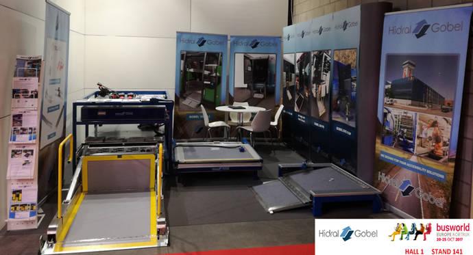 Hidral Gobel exhibe plataformas y rampas en Busworld