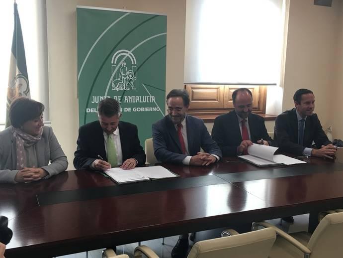 Avanza firma el contrato para comenzar a operar el Metro de Granada