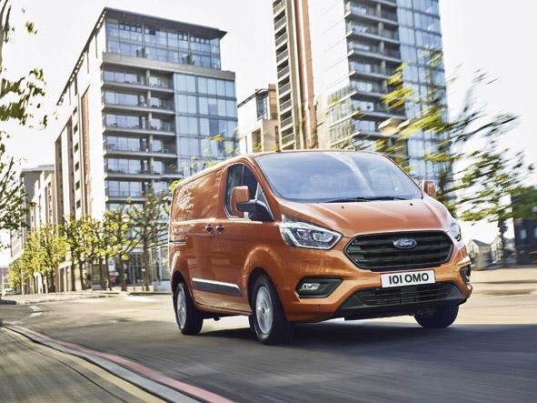 La nueva Ford Transit Custom es más elegante y práctica