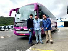 Toursan incorpora un chasis Mercedes carrozado por Sunsundegui