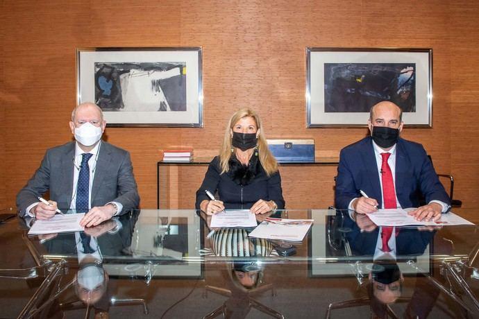 Faconauto, Santander y Mapfre lanzan un programa de seguridad vial para su red de concesionarios