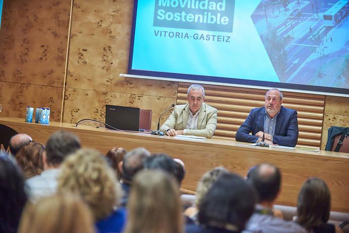 El Cabildo pide colaboración para implantar movilidad sostenible