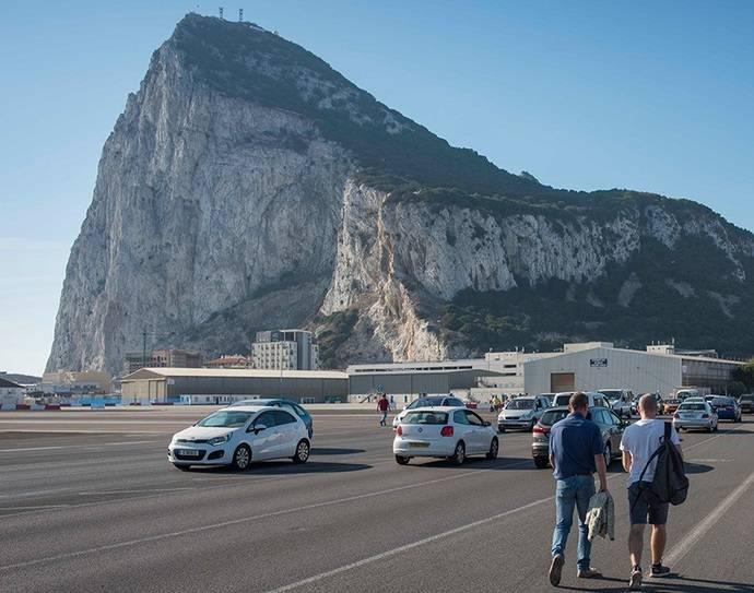Fedintra solicita un distintivo para permitir a autobuses circular en Gibraltar
