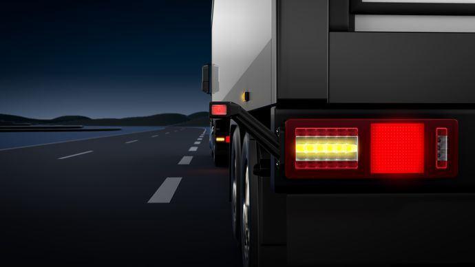 Hella lanza un nuevo trasero full-LED para camión y tráiler