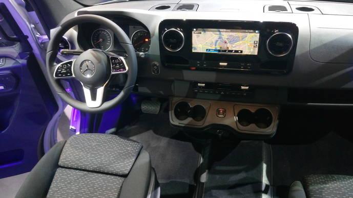 Mercedes-Benz muestra la tercera generación de Sprinter, una furgoneta con gran conectividad
