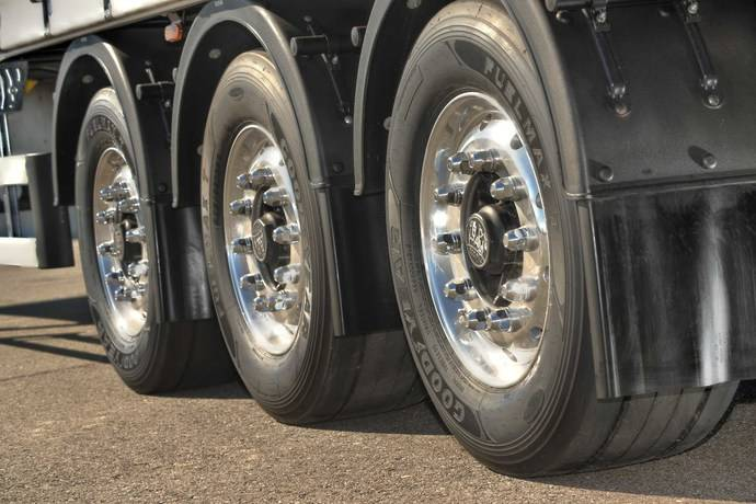 Los neumáticos para camión FUELMAX de Goodyear ahorro para Mercedes-Benz