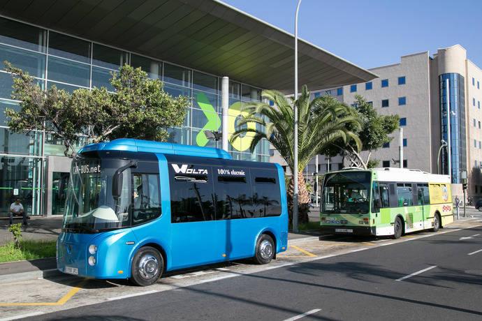 Titsa prueba un minibús 100% eléctrico para líneas urbanas