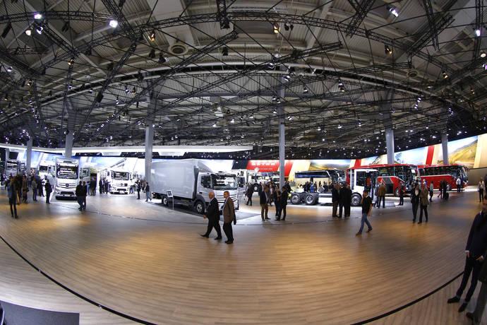 Autobuses cero emisiones y aviones no tripulados en el salón IAA 2016