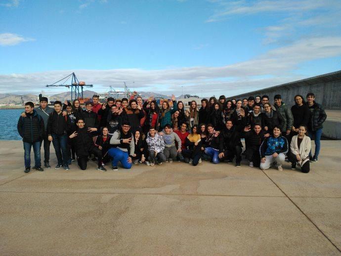 El Puerto de Castellón recibe a alumnos del Instituto Caminás